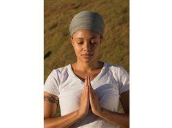 Cómo encontrar paz con yoga y meditación Kundalini durante la incertidumbre de la pandemia