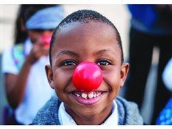 Los niños que viven en la pobreza aun siguen recuperándose de la pandemia: 3 maneras efectivas de ayudar