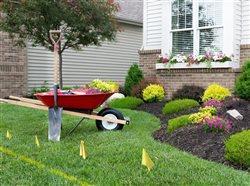 En esta primavera, llame al 811 antes de excavar para realizar proyectos de jardinería o mejoras en su casa.